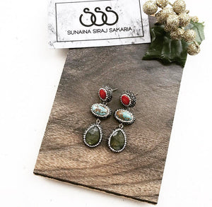 MULTI-COLOR EARRINGS IN RED & TURQUOISE