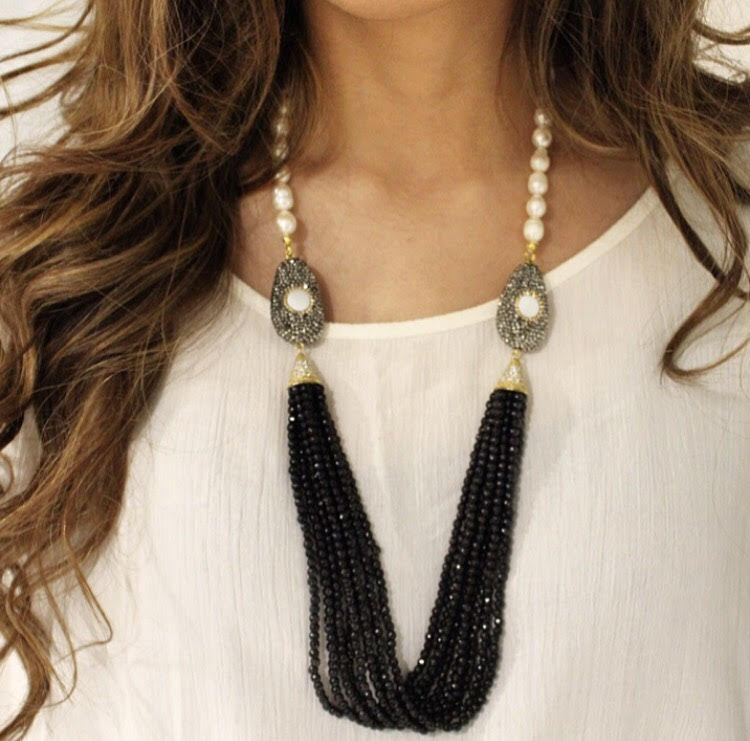 DOUBLE PEARL BLACK TASSEL NECKLACE