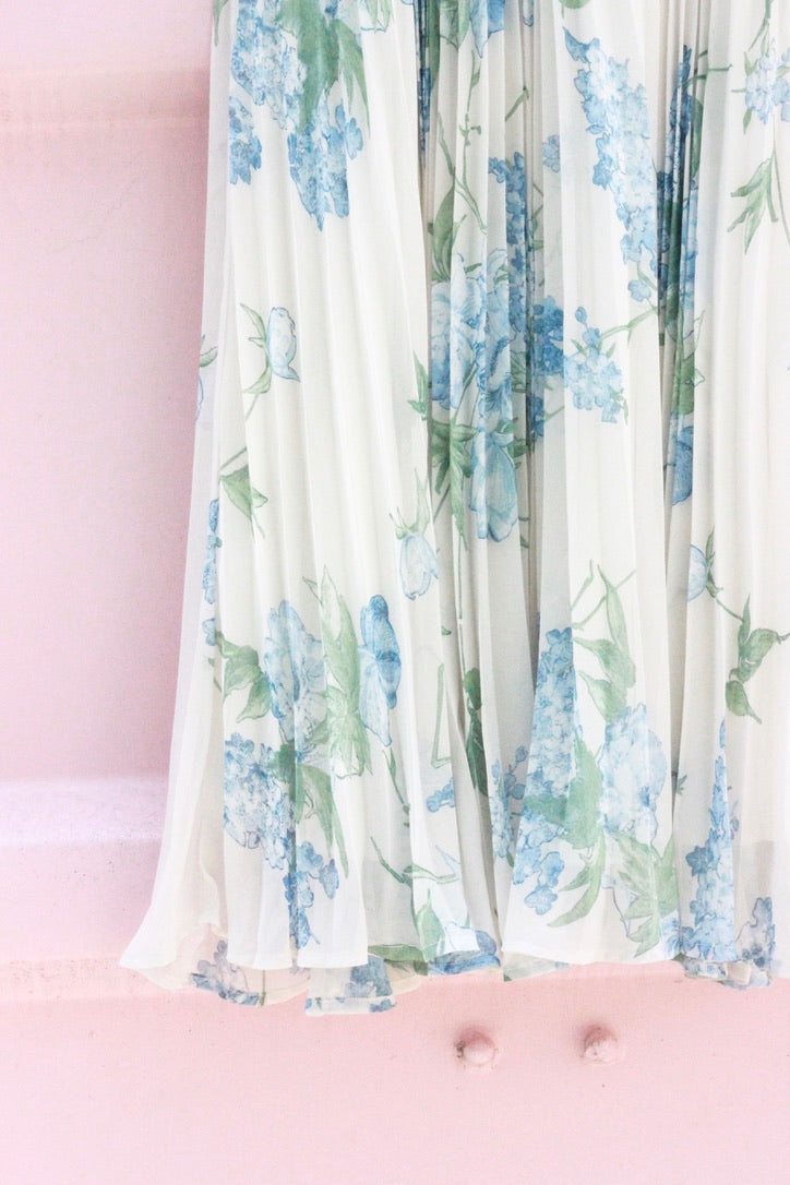 Whiteout Floral Pleated Skirt