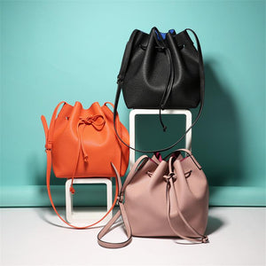 Hannah Unicolor Bucket Bag