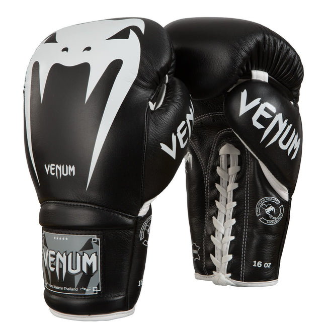 TITLE-VENUM-GIANT 3.0 BOXING GLOVES - WITH LACES