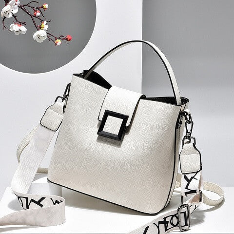 Keely Graham handbag can be transformed from a crossbody bag to a top-handle bag and bucket bag to suit your ensembles.