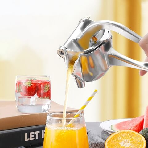 InSqueeze™ Manual Fruit Juicer Squeezer works well on orange, citrus, lemons, limes, apple, and many more. It can squeeze them all with maximum results. Start the day right with a natural drink that gives you all the vitamins you need!
