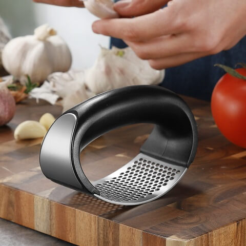 InsCut™ Stainless Steel Best Garlic Presser easily crush or mince garlic, ginger, and onion in half the time! Moreover, the garlic is not merely crushed but micro-cut, which helps preserve the garlic's aromatic oils!