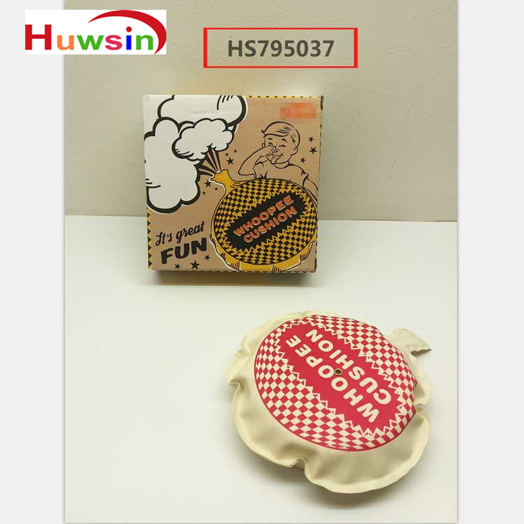 HS795037, Yawltoys, Whoopee cushion ,16cm whoopee cushion with foam, joking toy