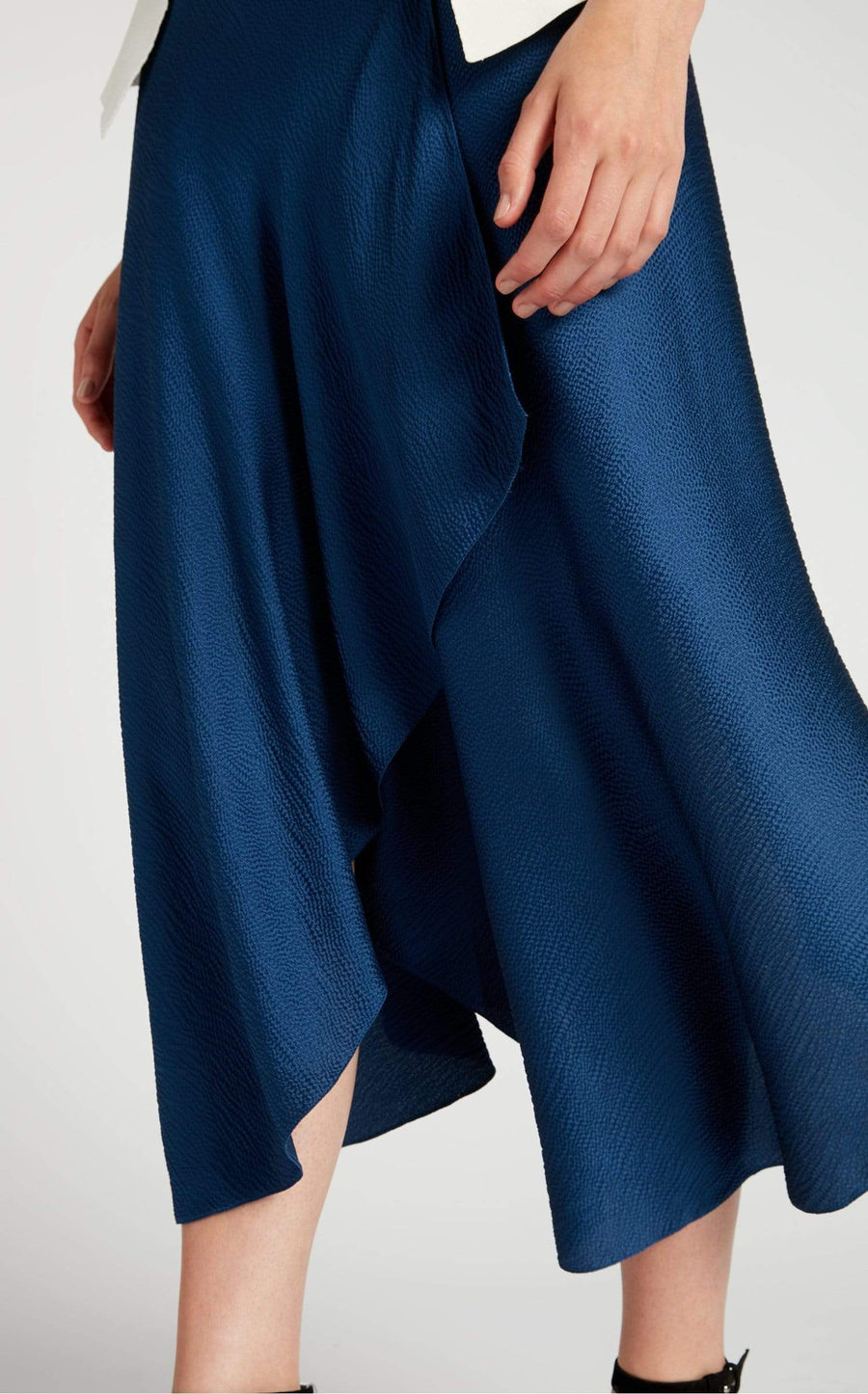 Hurst Skirt In Ultramarine/Navy from Roland Mouret