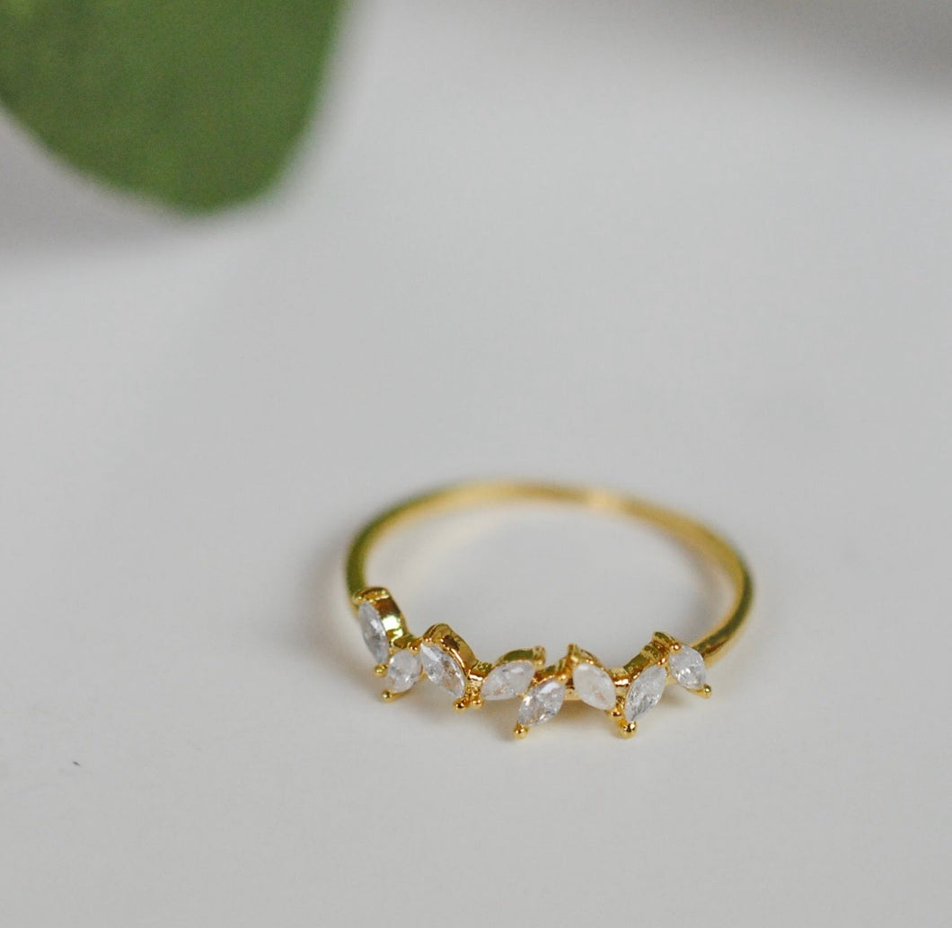 Leaf Gem Ring. Gold.