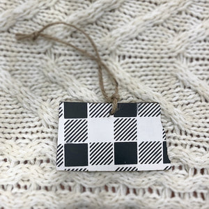 North Dakota Ornament. White and Black.