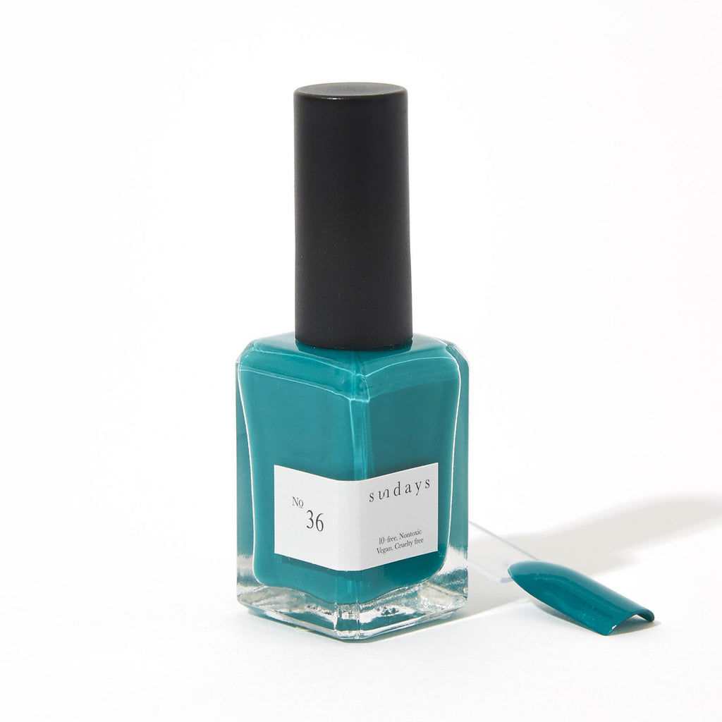 Dear Sundays nail polish No.36 Medium Teal A bright and edgy mix of green and blue that makes your every day a special occasion. An adventurous medium teal that creates a lasting bold impression. Opaque gloss finish Long-lasting Comfortable grip for clean application