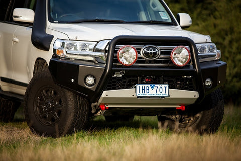 Toyota Land Cruiser 200 Series Empire bull bar 2016 on