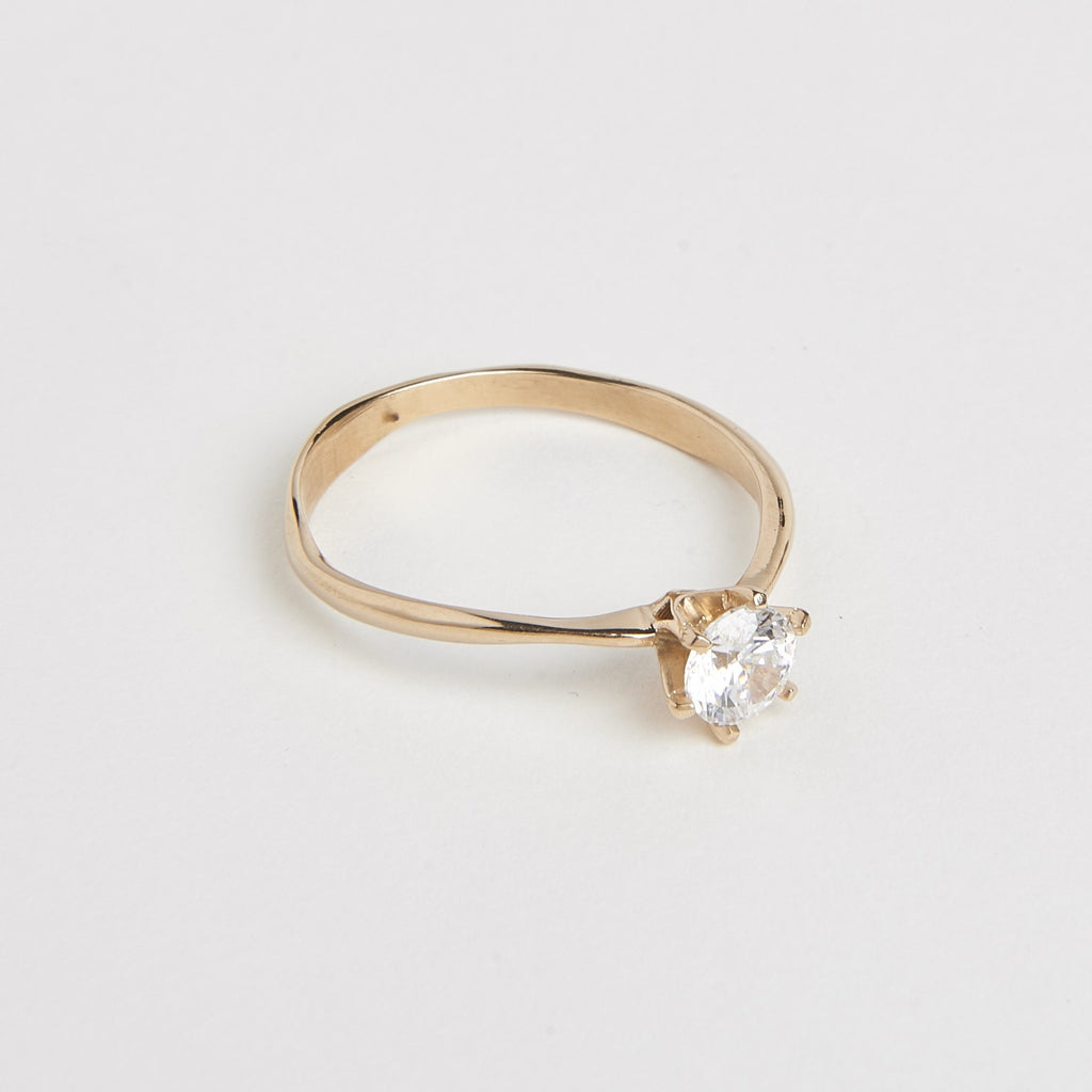 Molded solitaire ring 0.37 CT - 18k gold Cornelia Webb Rings 18k gold Customized wedding ring Diamond gold Molded