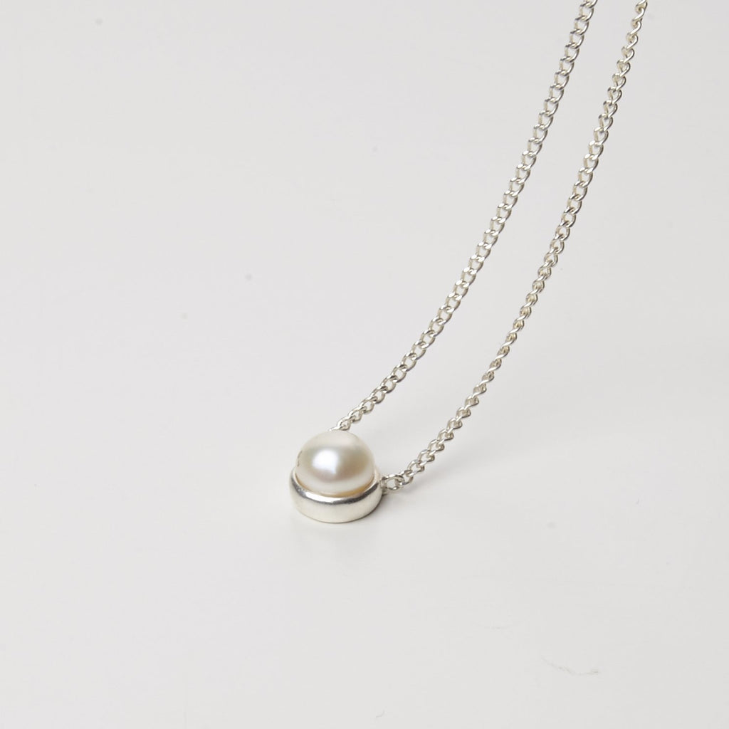 Pearled single necklace Cornelia Webb Necklaces bridal Chain Classic Core Necklaces