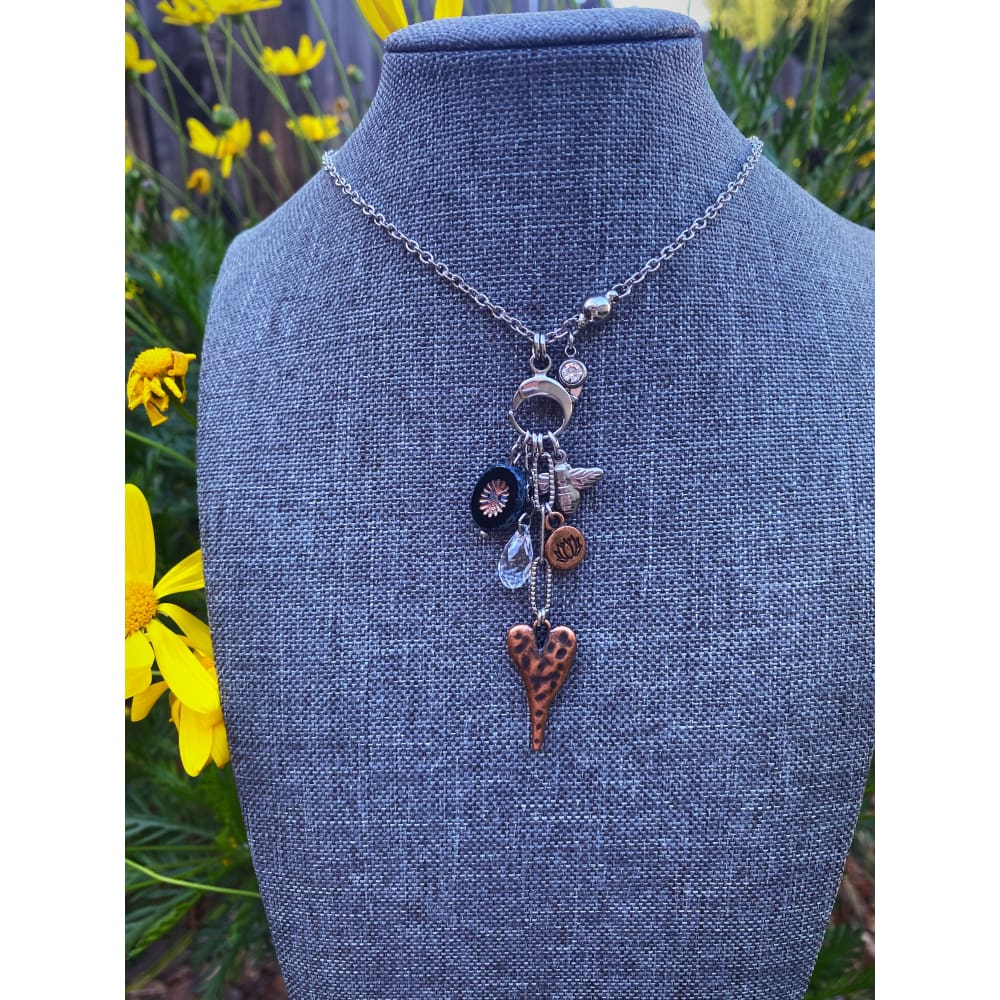 HONEYBEE CHARM NECKLACE