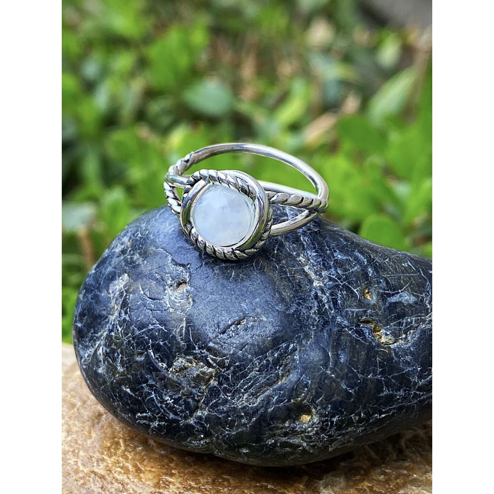 MOONSTONE ROPE RING