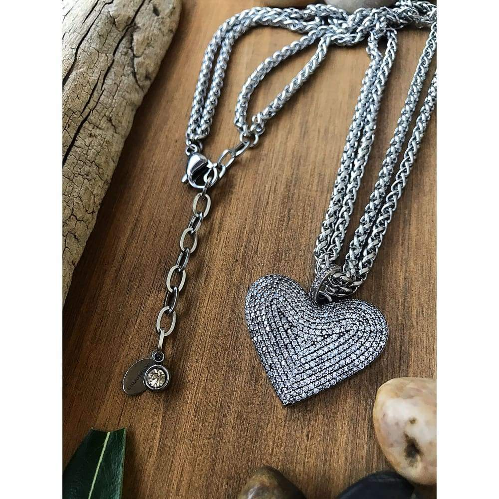 PAVÉ ANTIQUE HEART NECKLACE