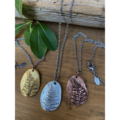 SEQUOIA LEAF NECKLACE