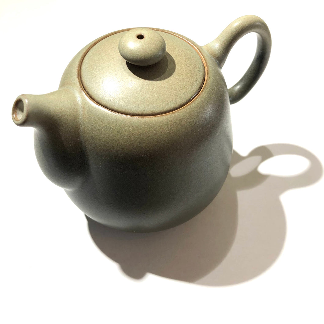 "Lin's Ceramics Teapot ""Grey Pear"""