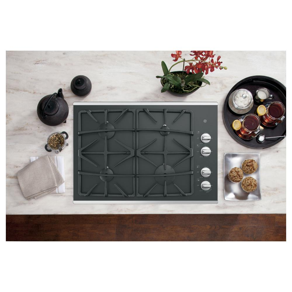 GE 30 in. Gas Cooktop in Stainless Steel with 4-Burners including Power Boil Burner Model JGP5530SLSS