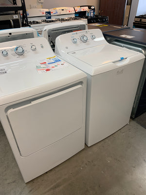 GE 7.2 Cu. ft 120-Volt White Gas Vented Dryer & 4.2 Cu.ft White Top Load  Washing Machine
