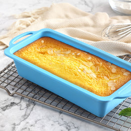 TRENDS home 10 Inch Silicone Loaf Cake/Bread Pan