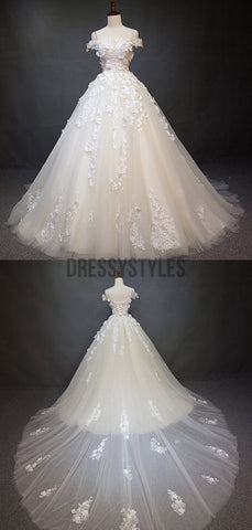 products/WEDDING_DRESS_a12c7140-7c00-4eff-aa70-8536e6e373cc.jpg