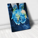 Tablou Canvas - Planet In Our Hands - Tablomag