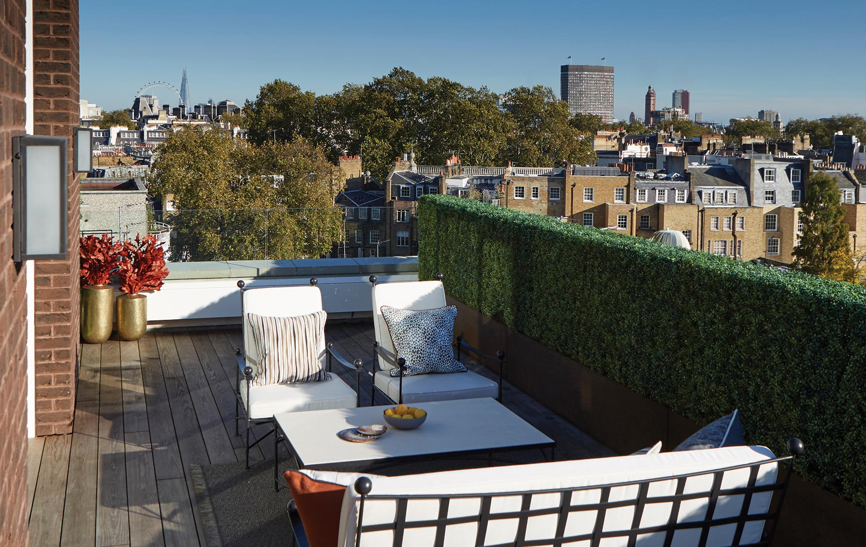 London Rooftop Terrace, Outdoor Space Ideas |Helen Green | Read more in The Luxurist | LuxDeco.com