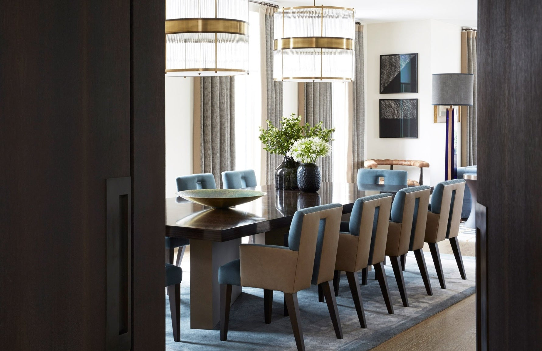 Blue and White Dining Room – Dining Room Colour Palettes - Dining Room Colour Schemes & Colour Combination ideas – Read in the LuxDeco.com Style Guide