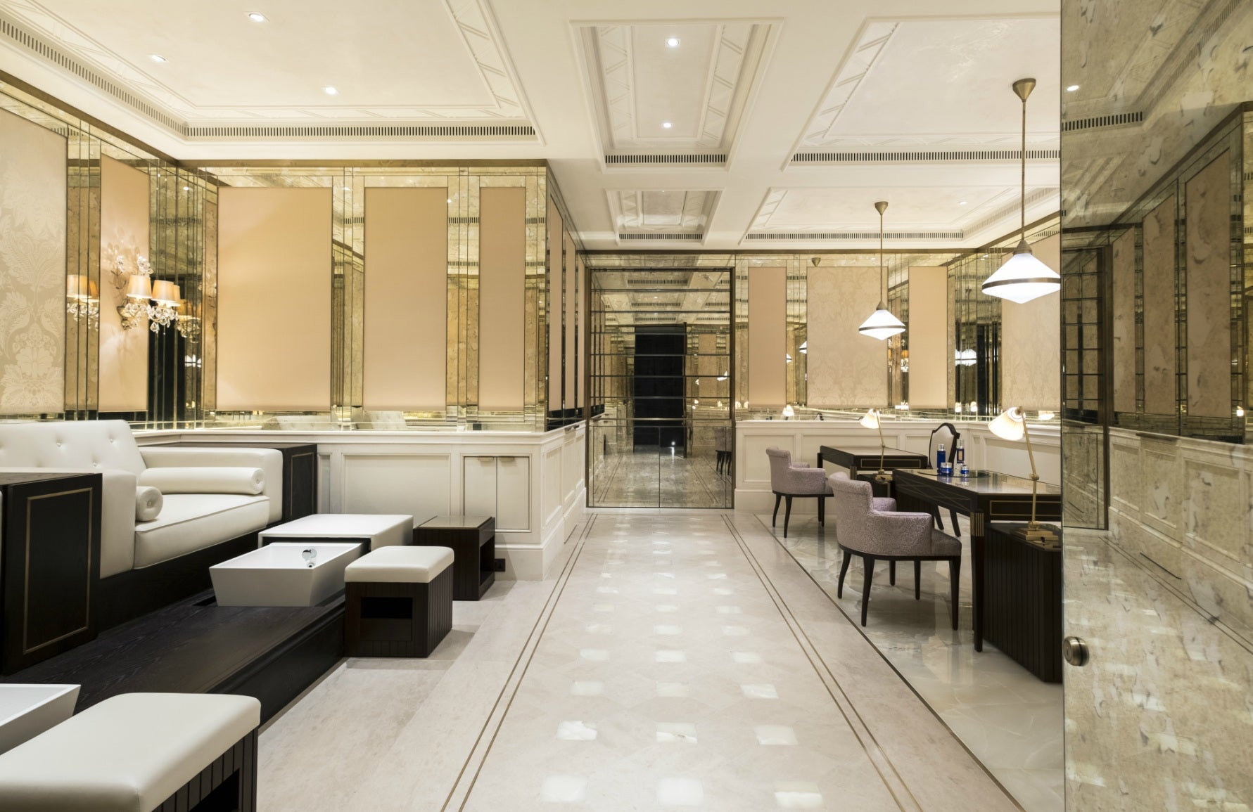 Best Spa In London | The Lanesborough Club & Spa | London Spa Hotel | Read more in The Luxurist at LuxDeco.com