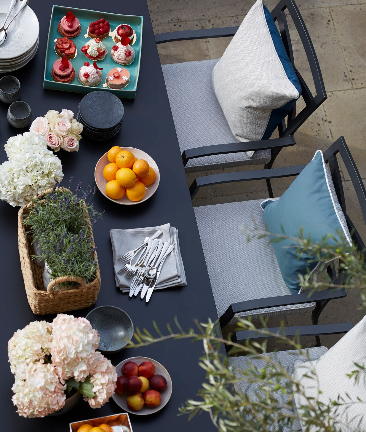 But don't forget the casual tablescape - Outdoor Dining Ideas
