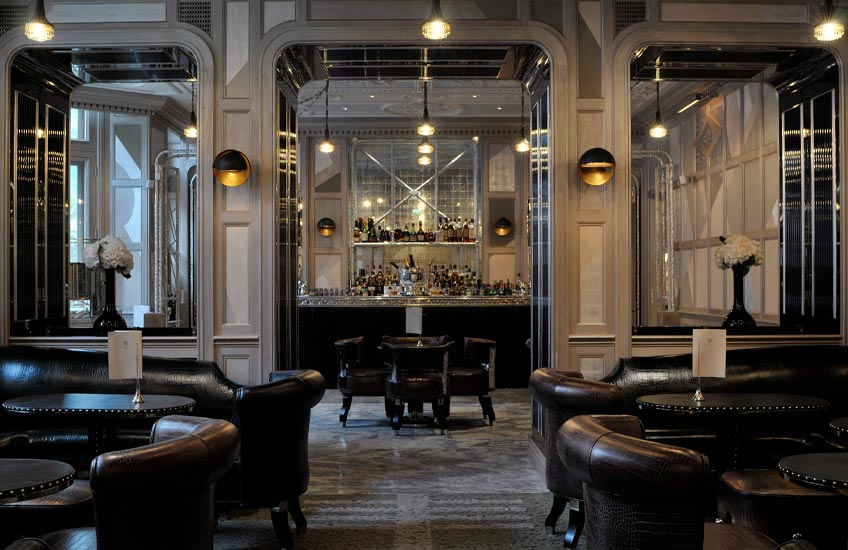 Connaught-Luxury-London-Bar - Luxury Christmas Party Venues - LuxDeco.com