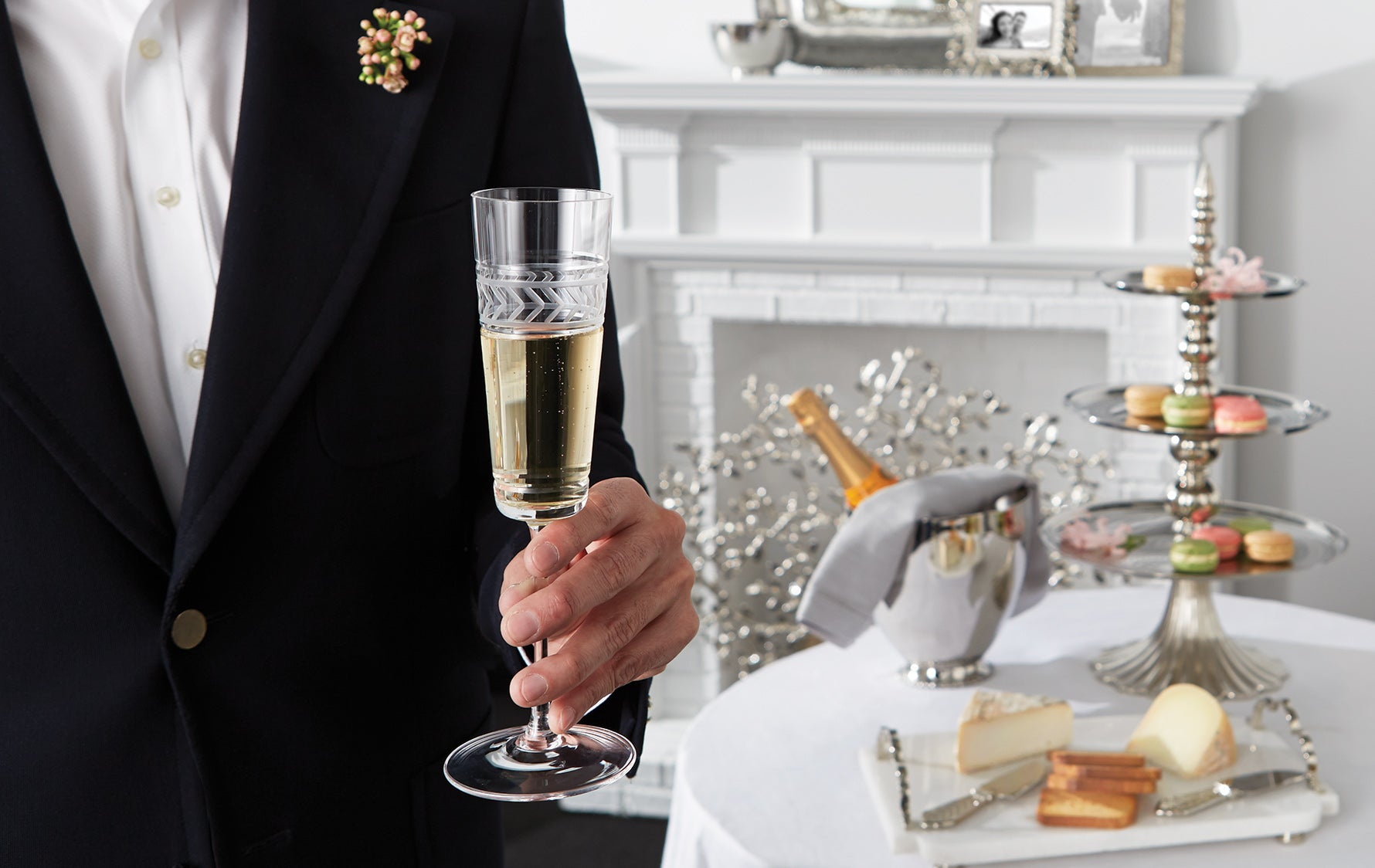 Luxury Glassware Buying Guide | How to Buy Stemware | Bordeaux Glass | LuxDeco.com Style Guide