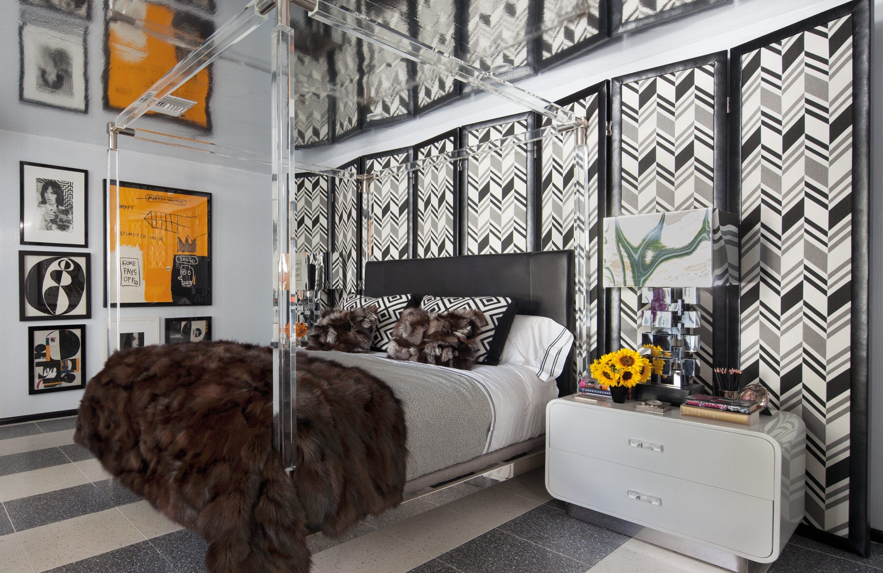 Monochrome bedroom | Martyn Lawrence Bullard home Palm Springs | Celebrity interior designer | Read more in The Luxurist at LuxDeco.com