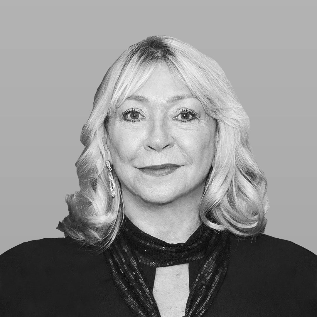 Linda Holmes, Interiors Director at LuxDeco, the world's leading luxury interiors platform.