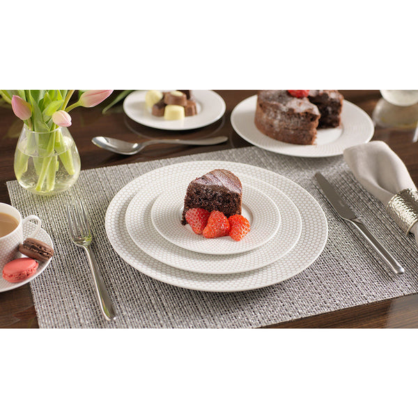 MADISON 6 Porcelain Five Piece Place Setting Christofle MADISON 6 Porcelain Five Piece Place Setting