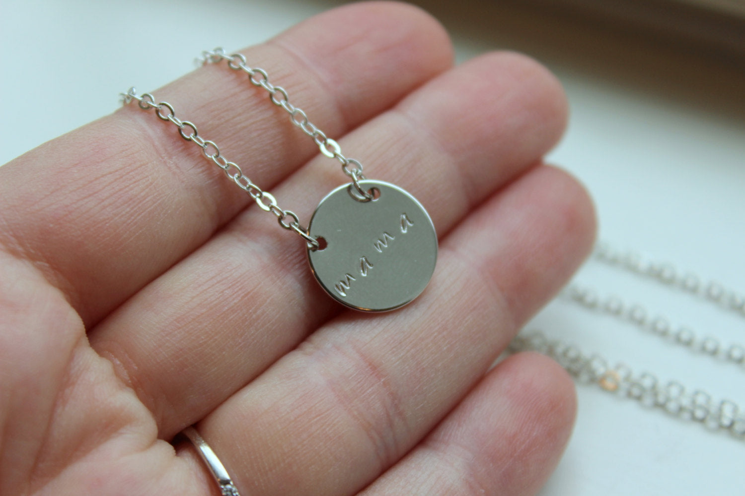 Silver Name Necklace, Silver Necklace, Silver Jewelry, Round Pendant Necklace, Grandma Gift, Round Necklace, Mama Necklace, Mama Jewelry,