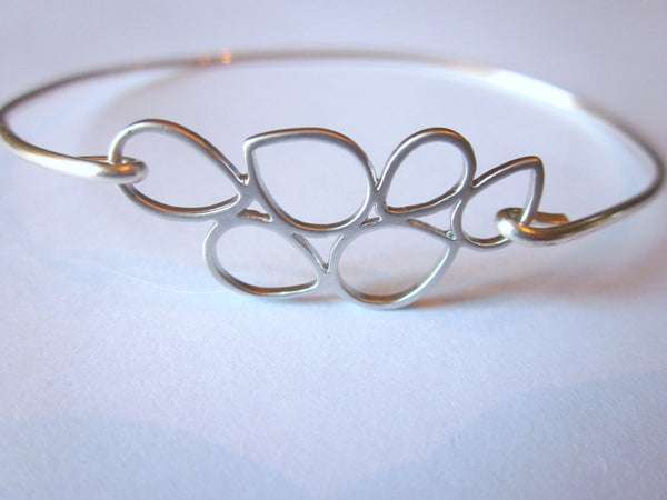 Silver Teardrop Circle Bangle Delicate Bracelet Silver Charm - Stackable Bangle Bracelet - Bridesmaid Gift - Gift under 15