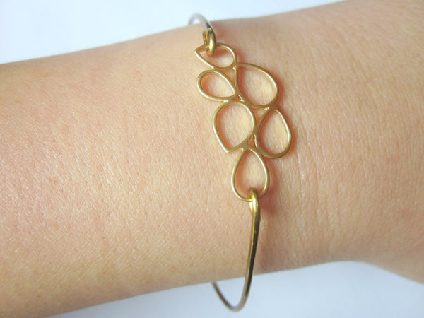Gold Teardrop Circle Bangle Delicate Bracelet Gold Charm - Stackable Bangle Bracelet - Bridesmaid Gift - Gift under 15