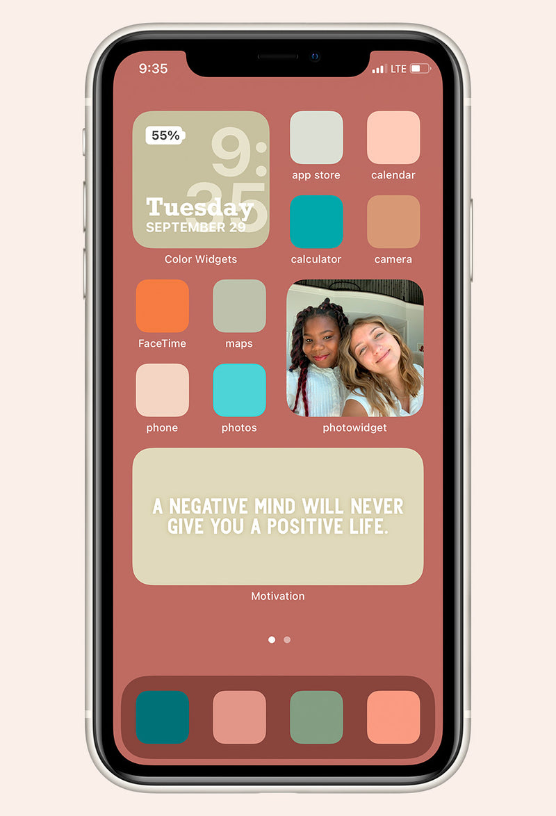 Home screen image of Pretty in Pastel iOS iPhone Icon Pack mock up with app examples