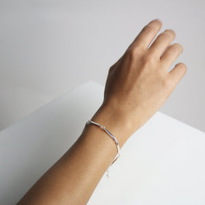 Illusion Bracelet - bar chain Collectors Items Jewelry