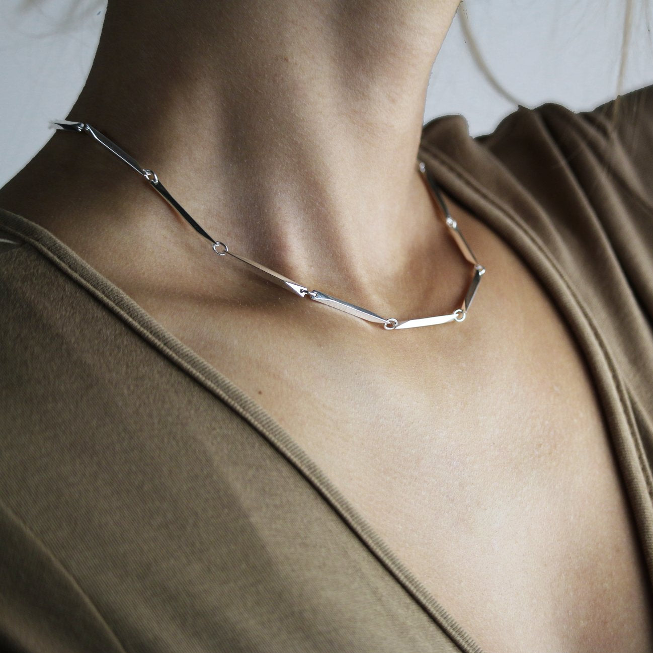 Illusion Necklace - bar chain silver - Collectors Items Jewelry