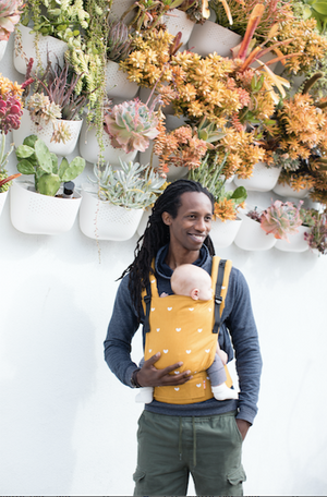 Play - Free-to-Grow Baby Carrier