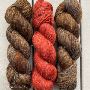 Misurina (Crop Tee) Yarn in Oil Rubbed Bronze & Pumpkin Spice , Merino Linen (fingering weight)