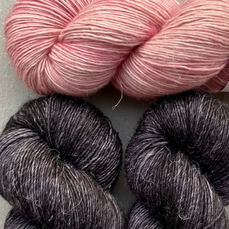 Misurina (Crop Tee) Yarn in Noir & Prima Ballerina, Merino Linen (fingering weight)