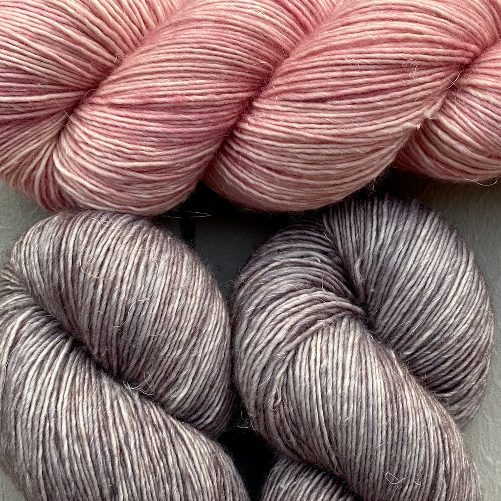 Misurina (Crop Tee) Yarn in Steel & Prima Ballerina, Merino Linen (fingering weight)