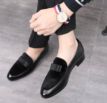 Load image into Gallery viewer, Men Bowknot Flat Black Patent Leather Red Suede Loafers