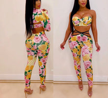 Load image into Gallery viewer, 3 Piece Floral Print Crop Bra Top, Short Jacket+Pants