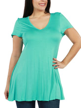Load image into Gallery viewer, Kathy Plus Size Tunic TopKathy Plus Size Tunic Top - kats closet1