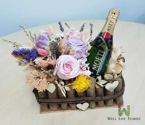 Preserved Flower and Champagne