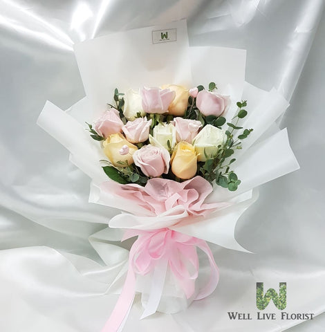 12 Mix Color Roses Hand Bouquet
